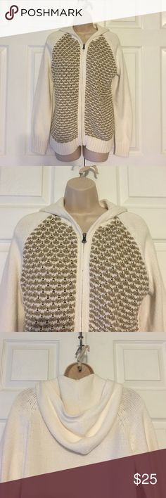 """Liz Claiborne Sweater Liz Claiborne zip front, hooded white and tan knit cardigan sweater. Size large, sweater measures approximately 20"""" armpit to armpit and is approximately 24"""" in length. Cotton/acrylic. Beautiful sweater, only worn once. Liz Claiborne Sweaters Cardigans"""