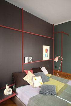 Cabecero negro y rojo / Desmontando estancias: Descubrimos los secretos de los mejores cabeceros #hogarhabitissimo