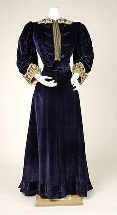 Walking suit Department Store: B. Altman & Co.  Date: ca. 1905 Culture: American Medium: cotton, silk, metallic thread Accession Number: 1976.318.8a–c