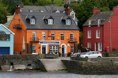 Looks like heaven: The Bulman, hands down the best pub in Ireland as seen from Kinsale Harbour Ireland Pubs, Cork Ireland, Ireland Travel, Uk And Ie Destinations, Images Of Ireland, Best Pubs, County Cork, Irish Eyes, England And Scotland