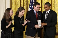 Obama recognizes Sandy Hook educators with second-highest civilian honor (Photo: Jewel Samad / AFP - Getty Images) #Newtown