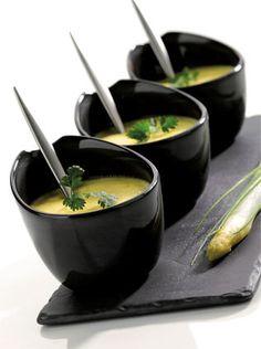 Verrine de mousse d'asperges. Rich and creamy. Finger Food Appetizers, Finger Foods, Good Food, Yummy Food, Appetisers, French Food, Food Pictures, Food Inspiration, Gastronomia