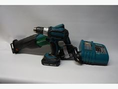 Makita 18 Volt Cordless Drill and Reciprocating Saw Combo (193303-1)