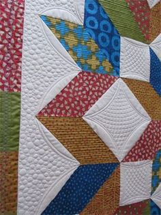 Custom pebbles and curved crosshatching at J-Quilting (UK)