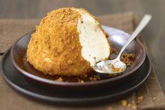 Pour un dessert gourmand et original, savourez une panna cotta façon mystère parfum spéculoos. Vous verrez, la recette est facile.