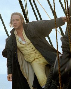 Russell Crowe in Master and Commander: The Far Side of the World Movies Costumes, Movie Stars, Movie Tv, Patrick O'brian, Master And Commander, Russell Crowe, Steampunk, O Brian, The Far Side