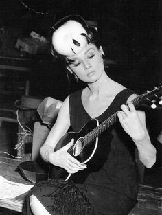 "Audrey Hepburn: ""Audrey plays with a guitar, on the set of Breakfast at Tiffany's, Audrey Hepburn Mode, Audrey Hepburn Photos, George Peppard, Golden Age Of Hollywood, Vintage Hollywood, Classic Hollywood, Holly Golightly, Cinema, Moon River"