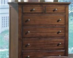 B1304 SOMMER CHEST By CROWN MARK