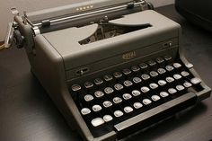 in case you're wondering this is my type writer - not my picture - but its the same one