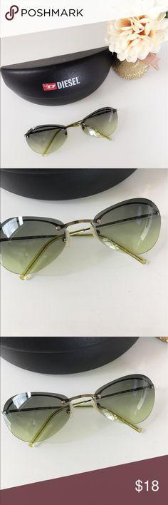 ❤️Diesel rimless sunglasses 😎 😎😎❤️ ❤️Diesel rimless sunglasses 😎 😎😎❤️ preloved in excellent condition | lenses are scratch free | grey green gradient lenses | case included Diesel Accessories Sunglasses
