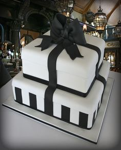 Black and White Tiffany Cake tutorial