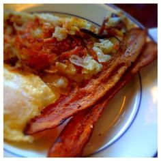 Hasbrowns, Eggs, Bacon, and Pancackes @ Du-Par's Restaurant & Bakery