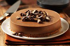 Gâteau au fromage, au chocolat et aux amandes - Le mélange parfait de sucré et de crémeux. Il faut l'essayer! #recette