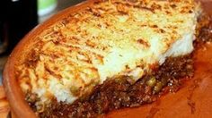 Ahh, Shepherd's Pie, one of the more wonderful comfort foods. I like comfort food anytime, but certain recipes take full advantage . Pie Recipes, Casserole Recipes, Cooking Recipes, Family Recipes, Irish Recipes, Irish Meals, Recipies, Lamb Recipes, Quick Recipes