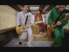 """Pick A Part That's New - Stereophonics This pays homage to """"The Italian Job"""", using specific scenes from the movie"""