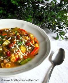 The BEST Minestrone Soup Recipe! #soup #recipe #fall #autumn
