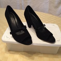 "VAN ELi black suede pump Open toe. 3.5"" heel. Very sturdy. 7 narrow. Patent strap detail Vaneli Shoes"