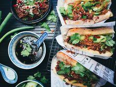 Korealaiset nyhtökaurahodarit (vegaani) – Viimeistä Murua Myöten Cheesesteak, Vegetarian Recipes, Veggies, Ethnic Recipes, Inspiration, Biblical Inspiration, Vegetable Recipes, Vegetables, Inspirational