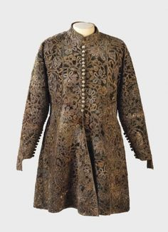 FCBTC / ca 1680 from Hungary. Pillow lace of gilt silver thread, velvet. Coat from the wardrobe of Istvan Esterhazy 17th Century Clothing, 17th Century Fashion, 18th Century, Historical Costume, Historical Clothing, Baroque Fashion, Folk Costume, Costumes, Fashion History