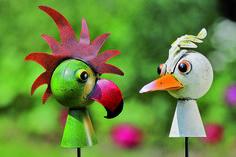 Set van twee grappig en kleurrijke tuinprikkers #vogels #birds