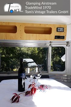 Sitzecke by Tom's Vintage Trailers GmbH Glamping, Toms, Airstream Interior, Vintage Trailers, Interior Ideas, Caravan Hire, Lounge Seating, Wedding, Vintage Campers Trailers