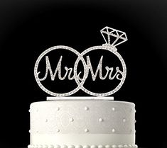 """Rubies & Ribbons """"Mr & Mrs"""" Silver Metal with Rhinestones Two Rings Wedding Cake Topper Party Decoration with Gift Box"""
