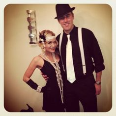 DIY 20s Great Gatsby Charleston Flapper Halloween Costume Idea