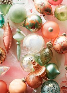Dress your tree in a dream-like collection featuring handpainted chinoiserie designs, pottery-inspired shapes and opalescent and dew-kissed finishes. Despite its whisper-soft palette, this collection of mouth-blown glass ornaments captivates with hand-applied gemstones, trim, sequins and beading.