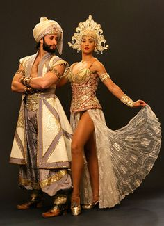 World Ethnic & Cultural Beauties Sailor Costume Diy, Sailor Costumes, Broadway Costumes, Theatre Costumes, Komplette Outfits, Cool Outfits, Aladdin Musical, Aladdin Broadway, Arabian Nights Costume