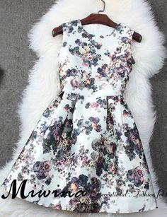 Printed Sleeveless Pleated Dress