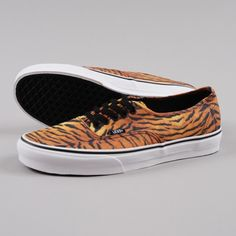 ed30633f23 The Vans Authentic Tiger Brown   True White is a part of the new Vans  collection. The model arrives to deliver a new trend  the animal print.