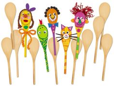 Make-A-Face Wooden Spoons...this would be so much fun for the kids to make and put on a puppet show! :)