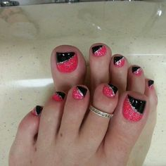 Pink-And-Black-Glittery-Toe-Nails Pretty Toe Nail Art Ideas Pretty Toe Nails, Cute Toe Nails, Pretty Toes, Fancy Nails, Diy Nails, Pedicure Nail Art, Toe Nail Art, Acrylic Nails, Pink Pedicure