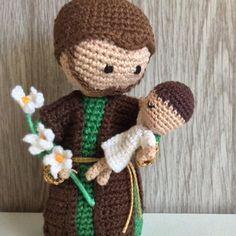 Crochet Necklace, Teddy Bear, Biscuit, Christmas, Inspiration, Crochet Animal Amigurumi, Religious Jewelry, Nativity Scenes, Key Fobs