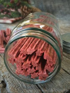 Raw Strawberry Twizzlers,  Tracey J. do you think you could pull this off?  It looks so good and healthy to boot.