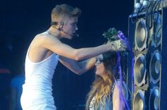 Video: Justin Bieber One Less Lonely Girl Cologne, Germany