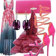 Per una cerimonia o una serata importante ecco un vestito color petrolio con una cascata di fiori rosa abbinata ad una stola in chiffon rosa antico, a dei sandali con cinturino fino al polpaccio, alla pochette con motivo gioiello e orecchini pendenti in ametista.