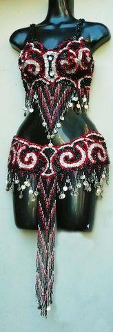 Traje bordado negro, plata,rojo $1600
