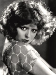 Sala66 • Clara Bow, 1932