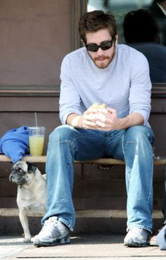 Jake Gyllenhaal takes to Manhattan streets with his pug pal