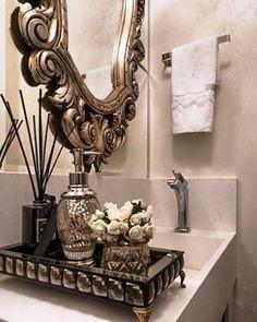 Pequenos detalhes! Neste lavabo, com projeto assinado pela Glanz Interiores, os acessórios by Maison du Banho foram cuidadosamente escolhidos pelas profissionais. São os detalhes que tornam um ambiente único! #produtomaison #lavabo #glanzinteriores #decoracao #maisondubanho
