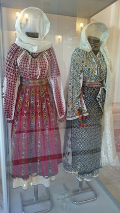 Androgyny, Romania, Cross Stitch Patterns, Diy And Crafts, Folk, Victorian, Costumes, Blouse, Dresses