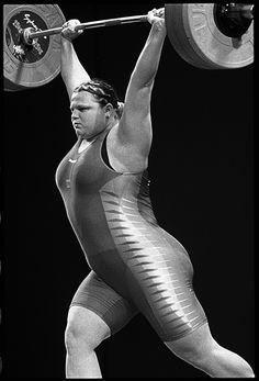 Levantamiento de pesas femenino.  Sydney, Australia. & Nbsp; de septiembre de 2000.