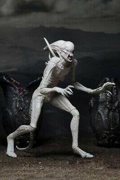 NECA have no plans of making any future Alien: Covenant figures - Alien: Covenant & Sequel Movie News Alien Covenant Movie, Traditional Birdhouses, Alien Figure, Alien Vs Predator, Creature Concept Art, Xenomorph, The Covenant, Action Figures, Photo Galleries