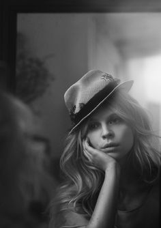 Clémence...love the expression, hat, lighting. all of it