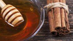 Med a skořice jsou lékem na mnohá onemocnění Lemon Detox Cleanse, Turmeric Face Pack, Olive Oil For Face, Healthy Detox, Easy Detox, Honey And Cinnamon, Water Recipes, Bubble Tea, Detox Drinks