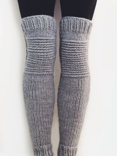 Knitting Patterns Leg Warmers Ravelry: Moto Leg Warmers pattern by Alexandra Tavel Toe Socks For Men, Knit Leg Warmers, Leg Warmers Outfit, Hunter Boots Outfit, Colorful Socks, Free Knitting, Knitting Patterns, Leg Warmer Knitting Pattern, Knitwear
