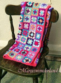 Marije's Wonderland crochet blanket multi color ibiza pink purple turqoise gehaakte deken