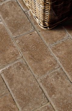 Emser Tile Natural Stone Ceramic And Porcelain Tiles Mosaics Gl Trav Vino Tumbled Antique