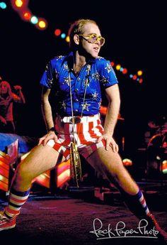 Elton John, 1976
